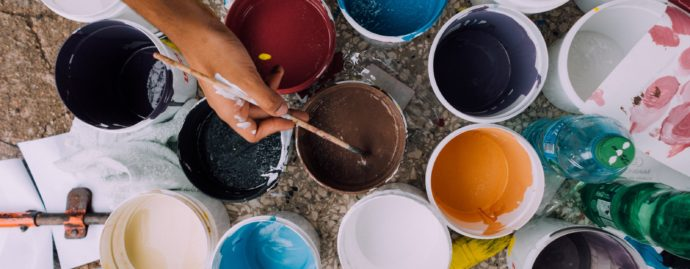 Jaký je původ slova malovat? Proč se říká malovat?