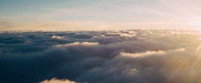 Jaký je původ slova nebe? Proč se říká nebe?